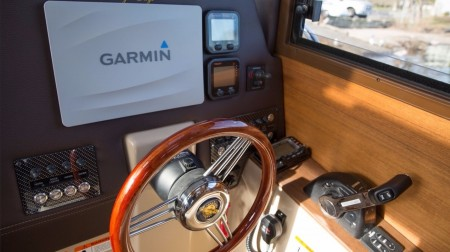 Ranger Tugs R-23, Garmin Equipped